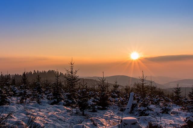 Erste überrascht in Aplerbeck – Sonne pur über dem Bummelberg.